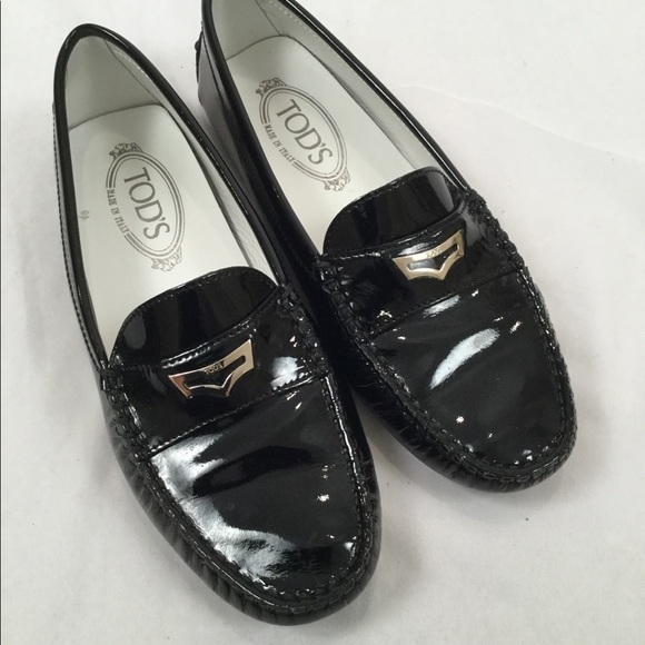 JP Tods black pat leather driving Mocs loafers 37 61383515513